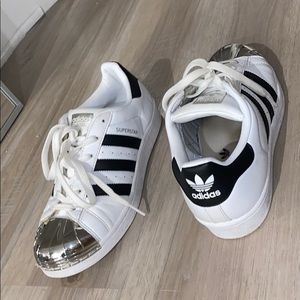ADIDAS SUPERSTAR METAL TOE SHOE